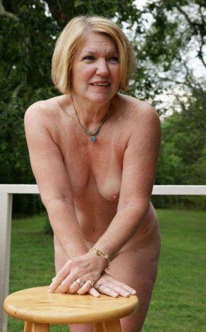 Jutta girls escort in Hauzenberg, BY